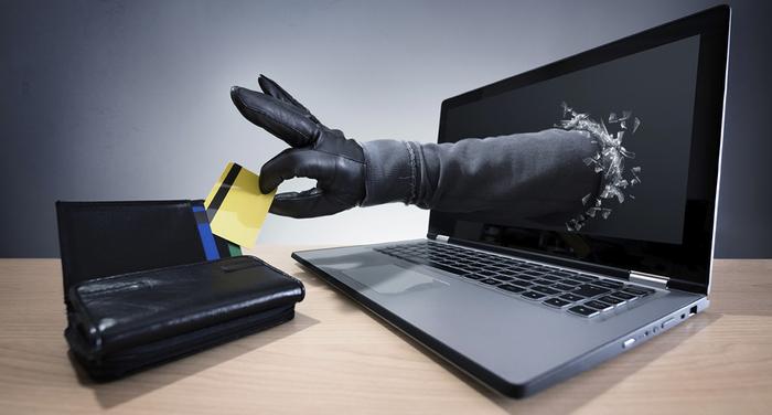 Estafa, robando tarjeta de crédito