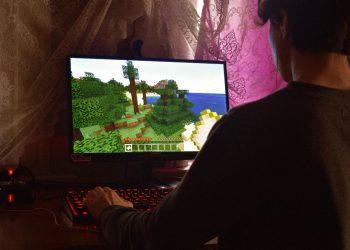 Cómo cargar una copia de seguridad en Minecraft