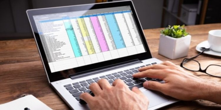 Como fijar columnas o filas en Excel