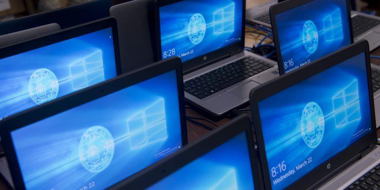 Portátiles FreeDOS o sin sistema operativo